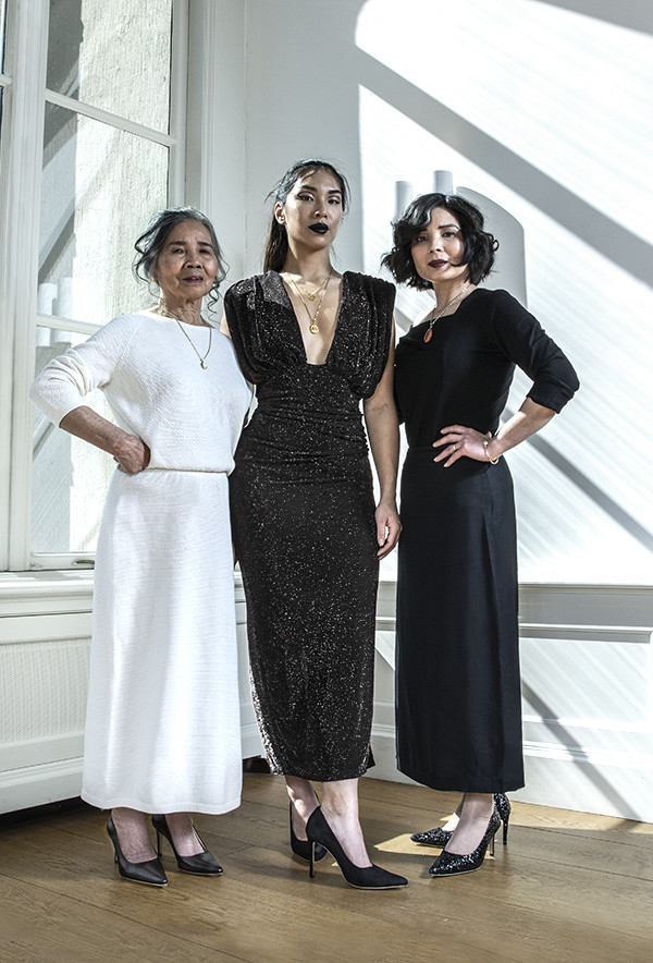 Vi Nguyen Family Three Generations mothers daughters feraggio vietnam vietnamese parc broekhuizen parcbroekhuizen highheels campaign pitchblack pumps stilettos shadowplay