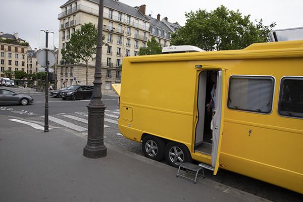 yellow van paris production car styling team shoot photoshoot fashion feraggio