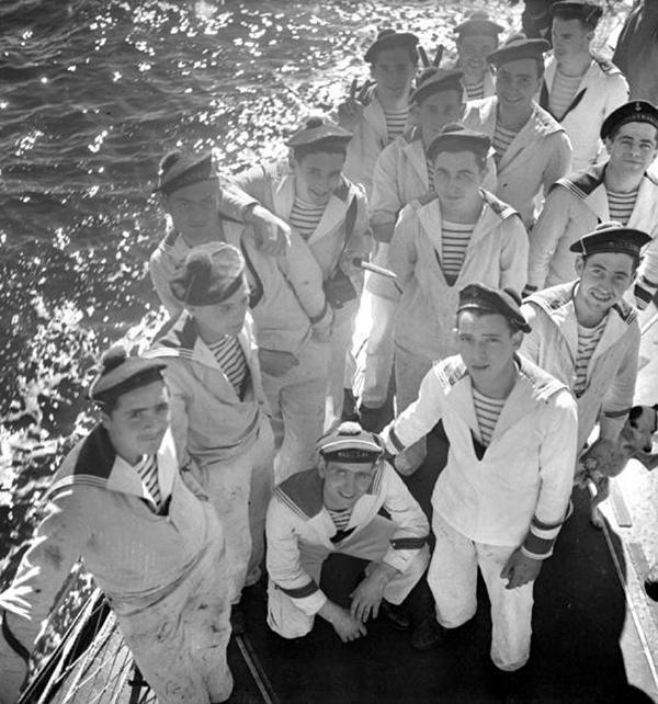 bon breton bonbreton feraggio bluestripe stripe jeanpaulgaultier sailor fashion highheels shoes