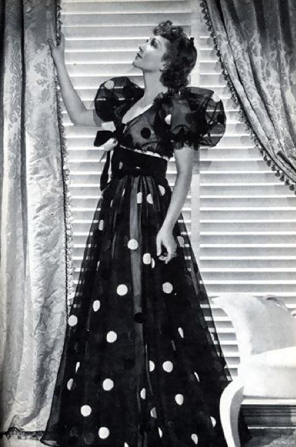 black and white feraggio feraggioheels pumps polka dot vintage fashion history