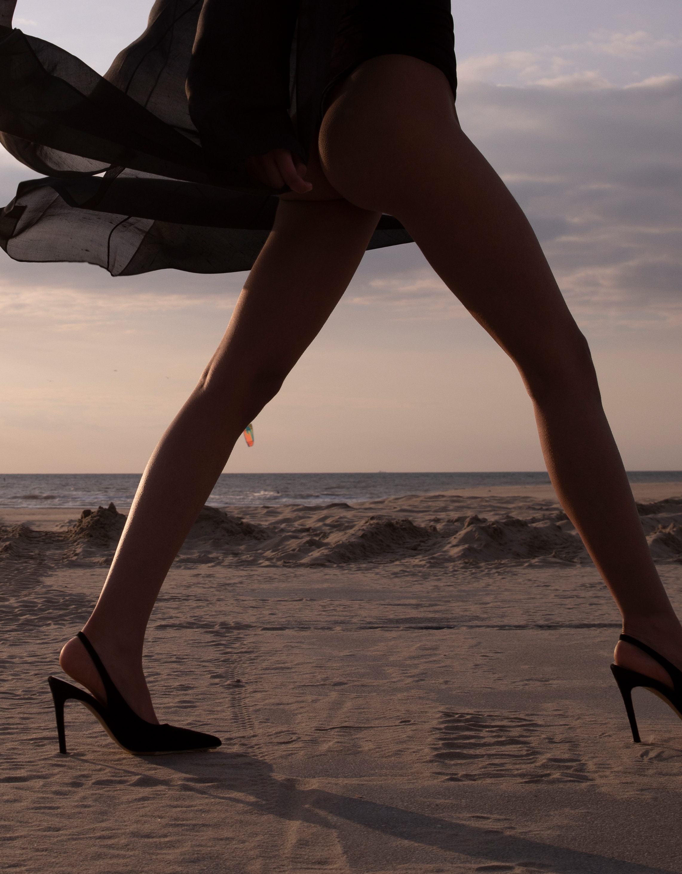 Feraggio slingback scarlet red suede model zebrapad den haag rotterdam high heels comfortable comfort fashion runway